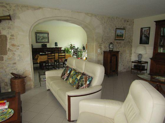 Vente propriété 8 pièces 243 m2