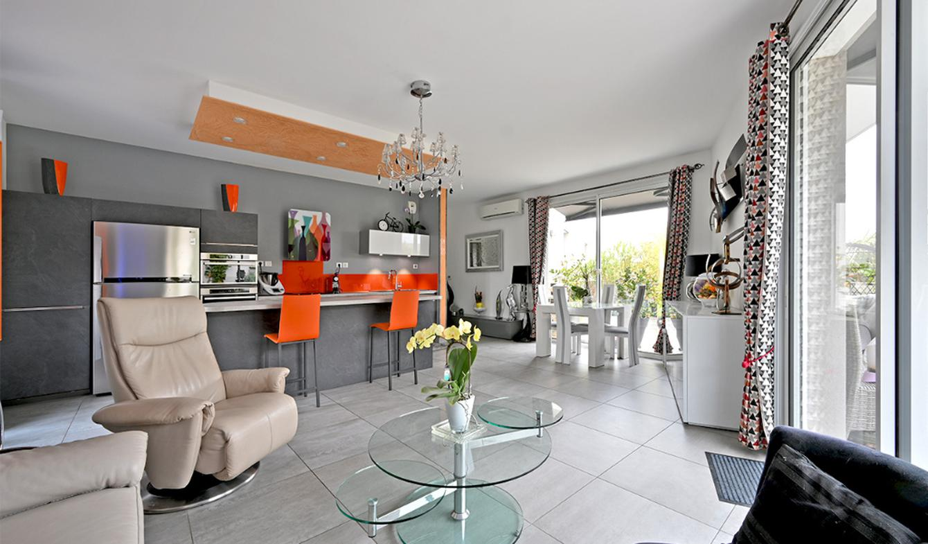 Appartement avec terrasse et piscine Lattes