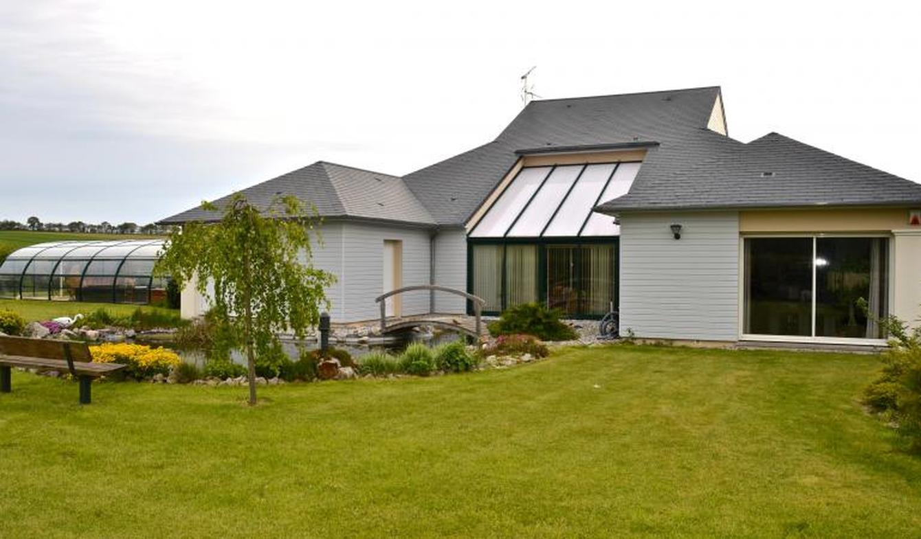 Maison avec piscine et jardin Noyers-Bocage