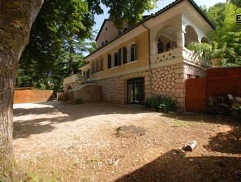 Maison 9 pièces 375 m2