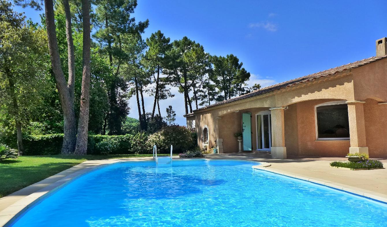 Villa avec piscine Saint-Restitut