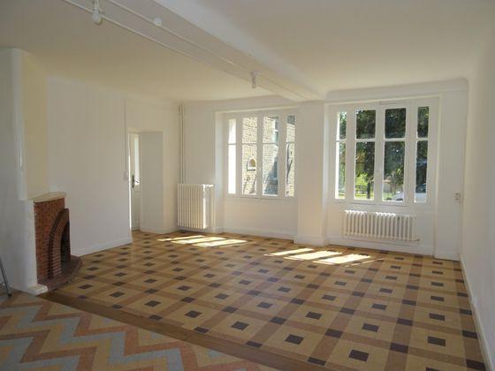 Location maison 3 pièces 132,2 m2