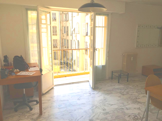 Location studio 36,78 m2