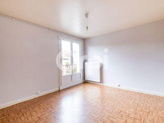 Location studio 28,93 m2