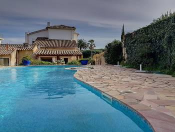 Villa 10 pièces 240 m2
