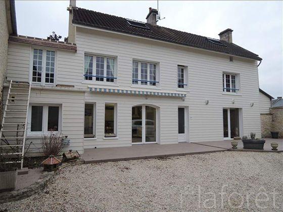 Vente maison 6 pièces 207,03 m2