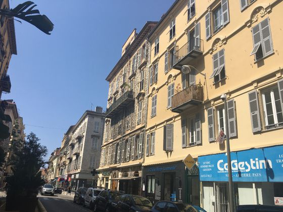 Location appartement 3 pièces 84,57 m2