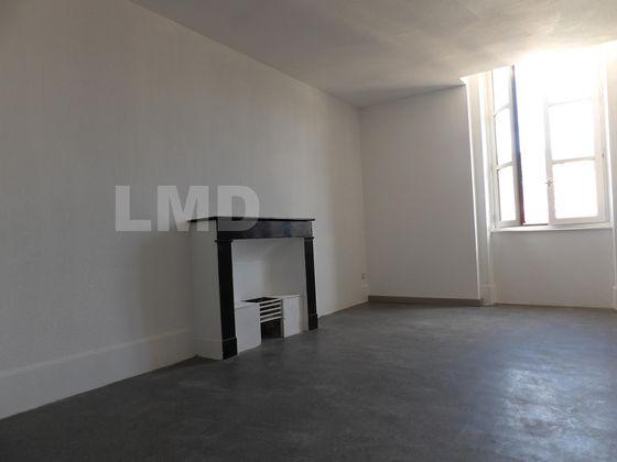 Location appartement 3 pièces 97 m2