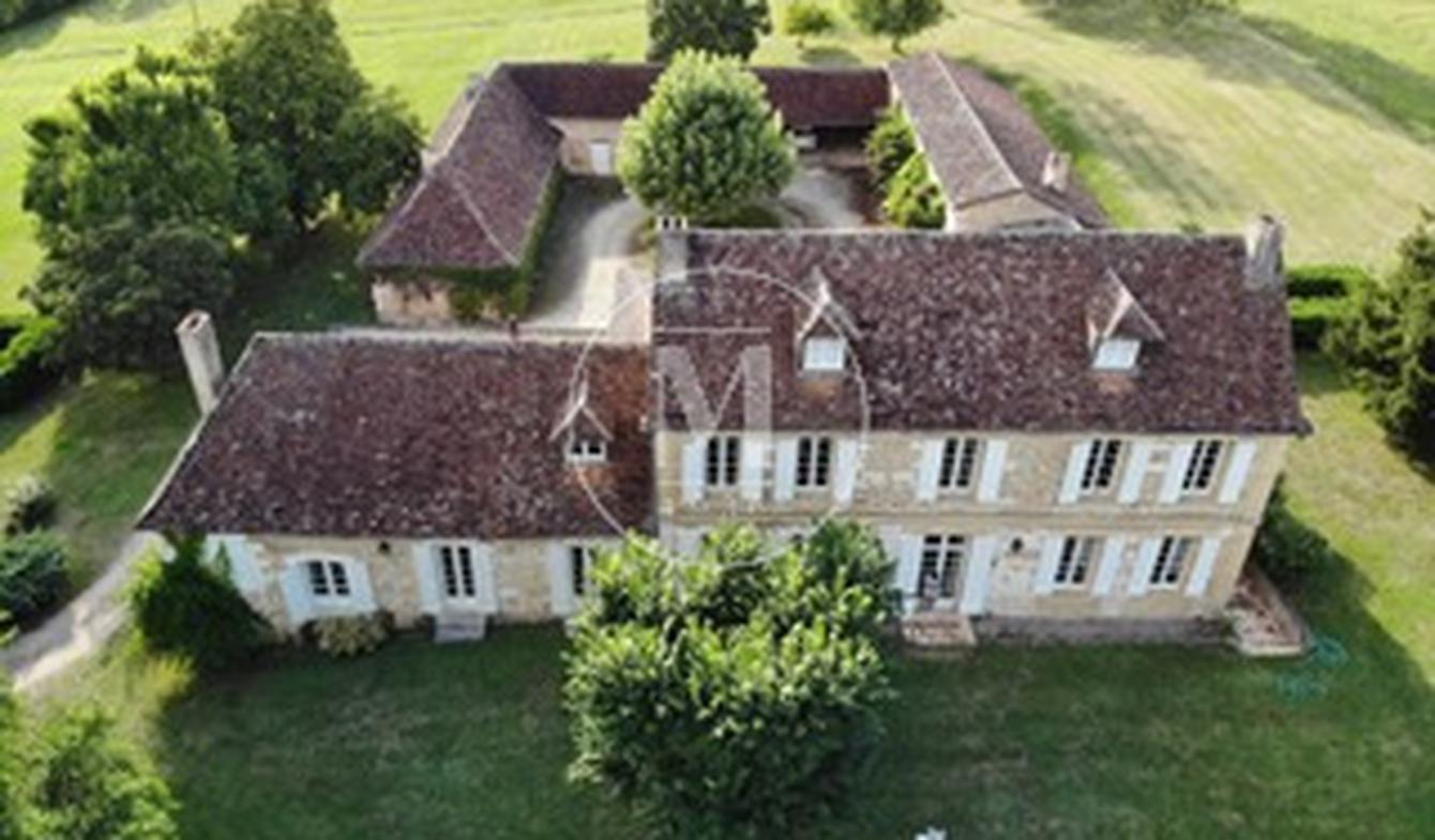 House with terrace Bergerac