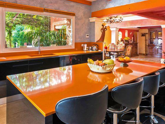 Vente maison 6 pièces 332 m2