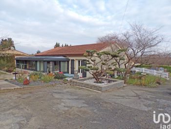 maison à Saint-Amant-de-Boixe (16)