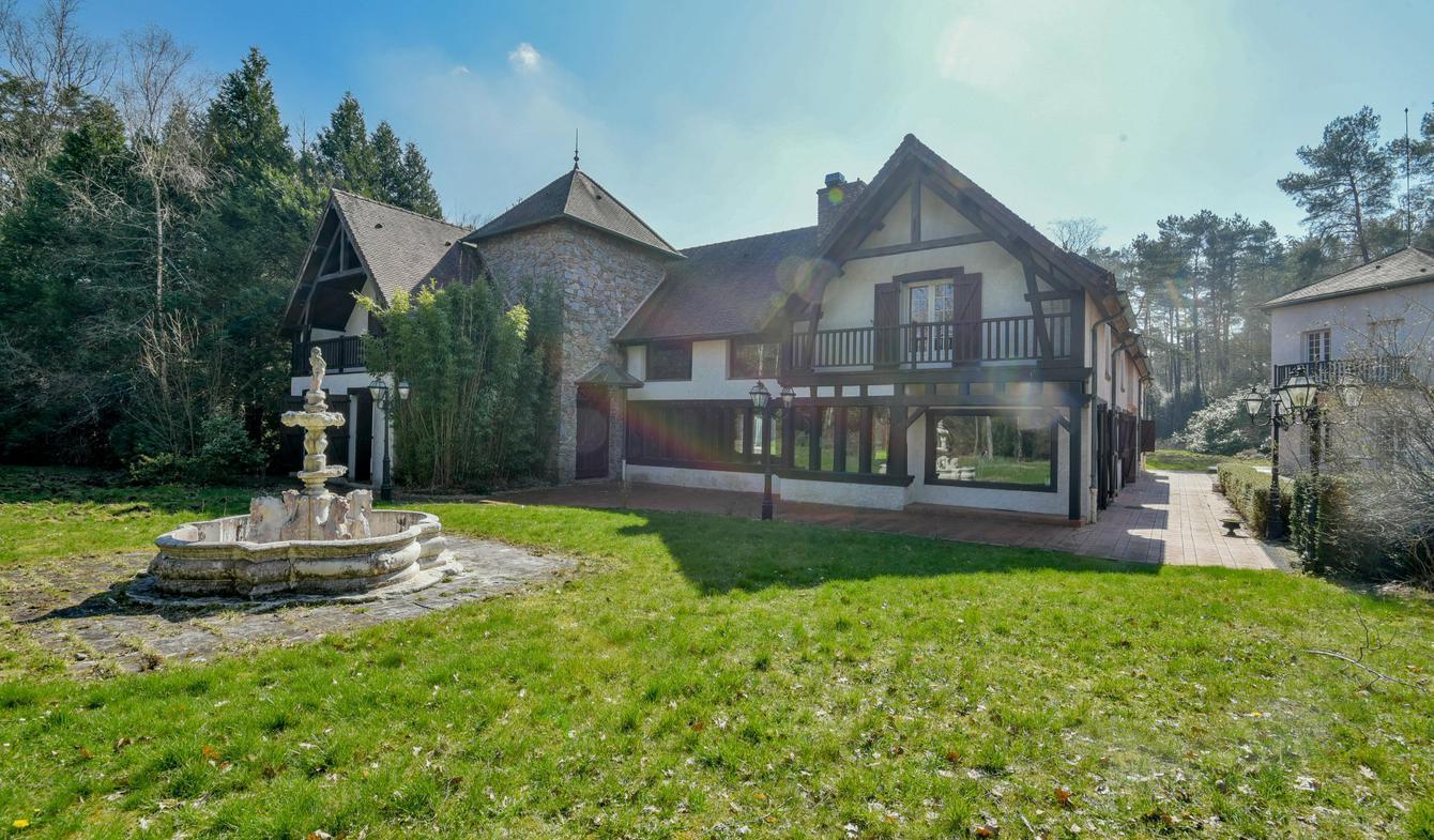 Maison avec piscine Poigny-la-Forêt