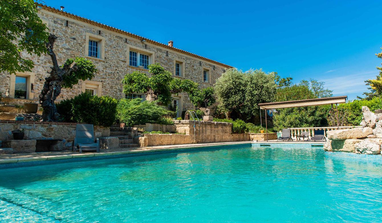 Ferme avec piscine Montpellier