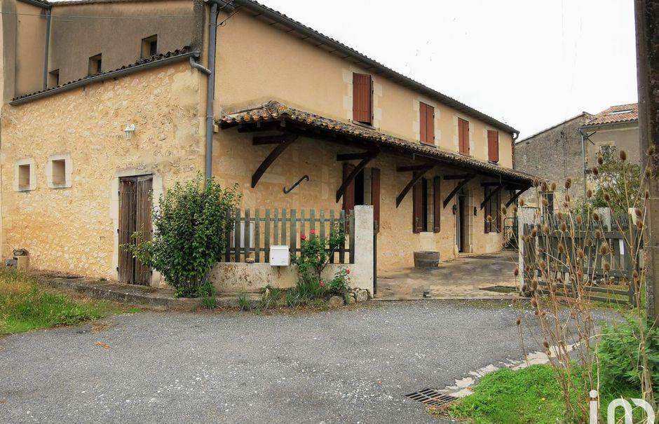 Vente maison 5 pièces 175 m² à Rauzan (33420), 137 000 €