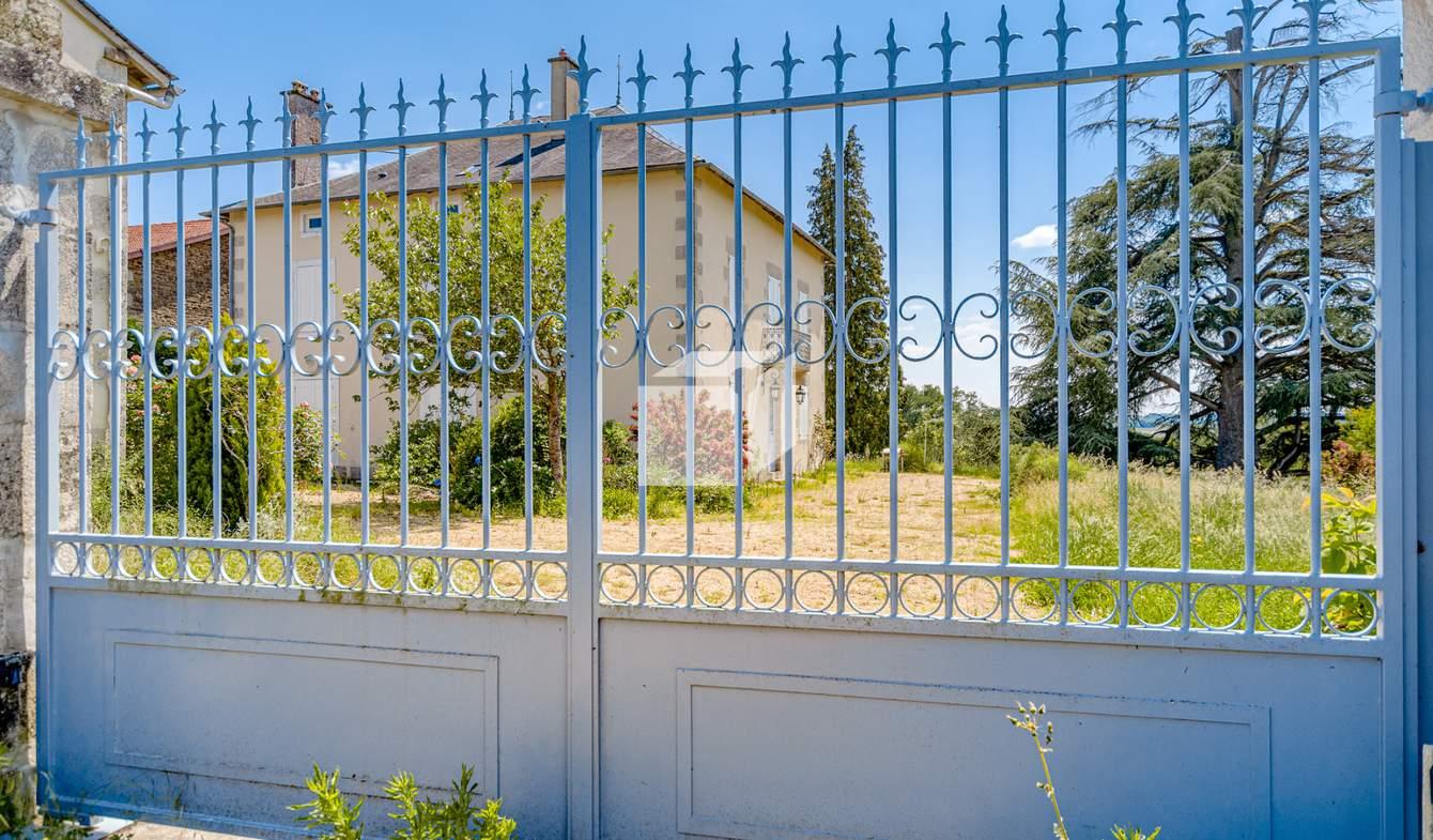 Maison Saint-Hilaire-Bonneval