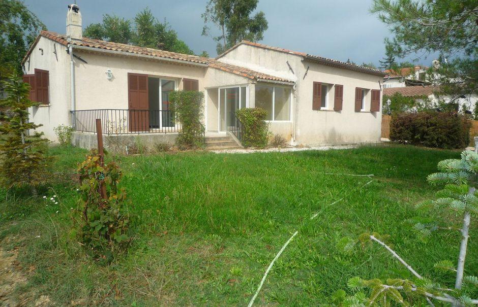 Location  maison 4 pièces 88.3 m² à Plascassier (06130), 1 560 €