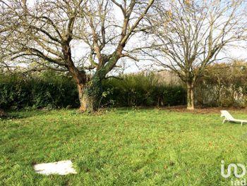 terrain à Brie-Comte-Robert (77)