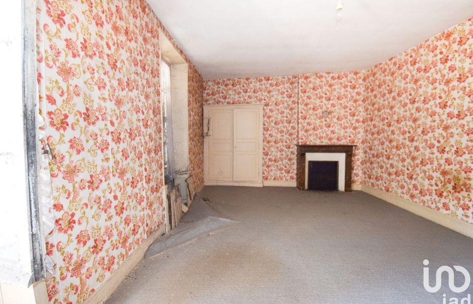 Vente maison 4 pièces 140 m² à Bourganeuf (23400), 49 000 €