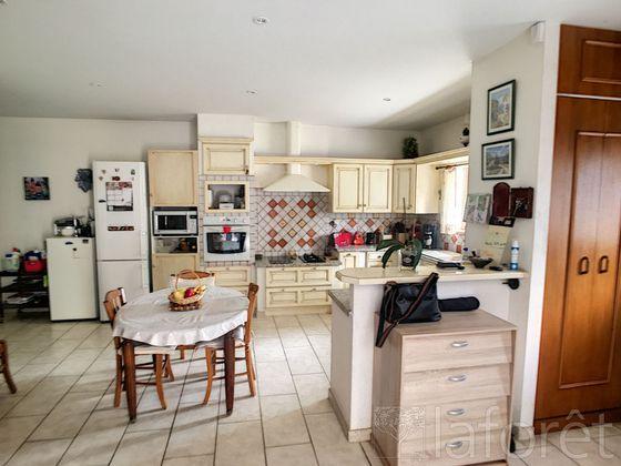 Vente maison 5 pièces 201 m2