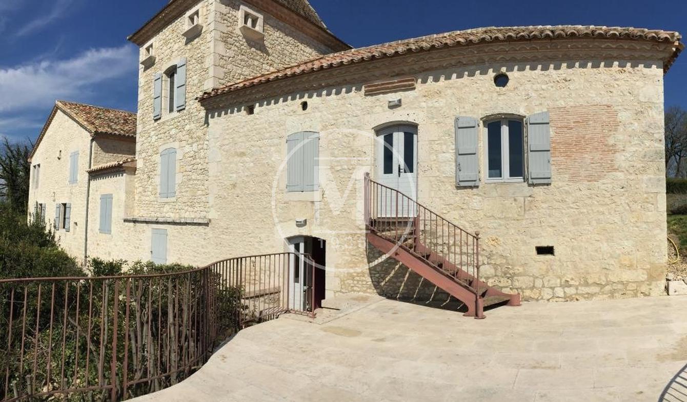 House with terrace Lauzerte