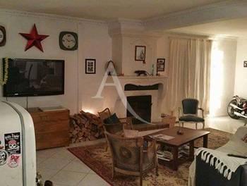 Maison 9 pièces 246 m2