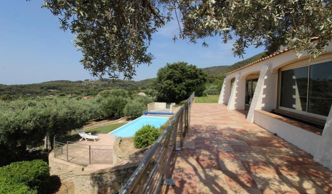 Villa avec piscine et terrasse Ollioules