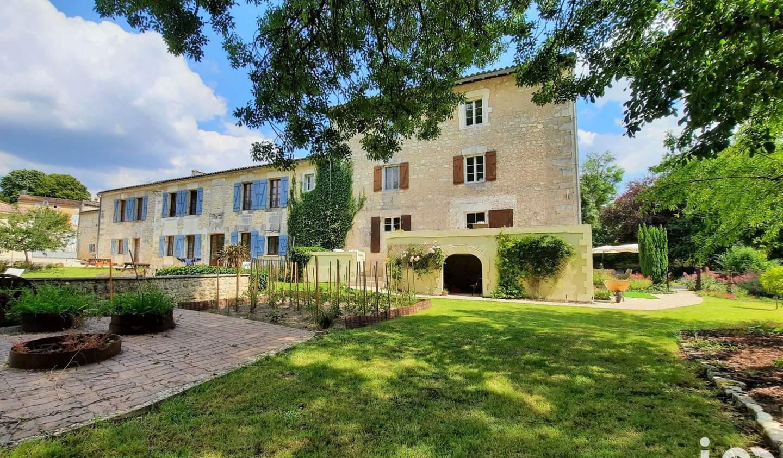 Maison avec terrasse Bourg-Charente