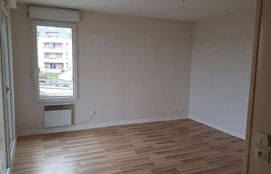 Location  studio 1 pièce 26 m² à Dammarie-les-Lys (77190), 467 €
