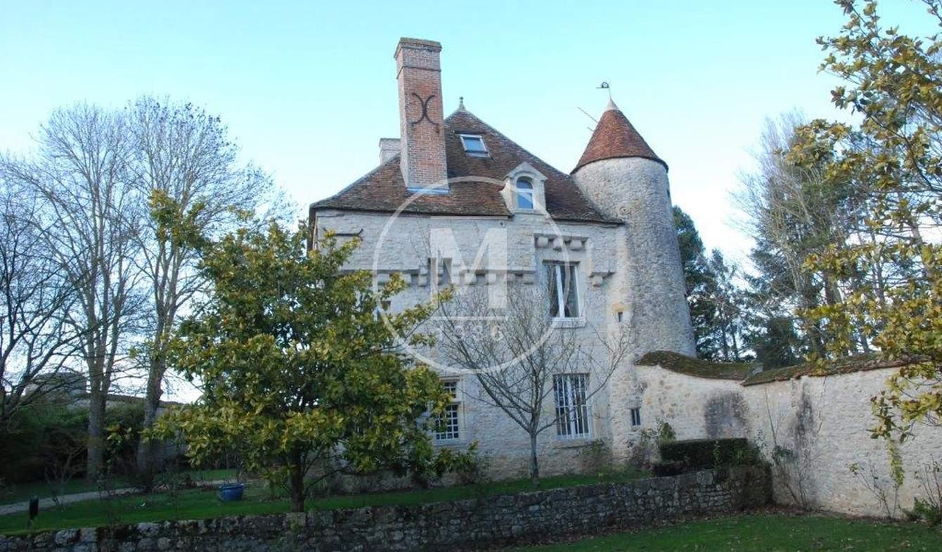 Manor Beaune-la-Rolande