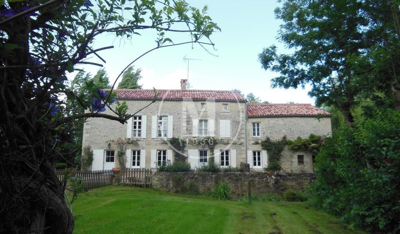 House Coulonges-sur-l'Autize