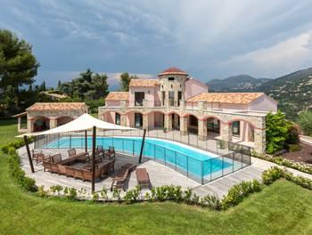 Villa 5 pièces 305 m2