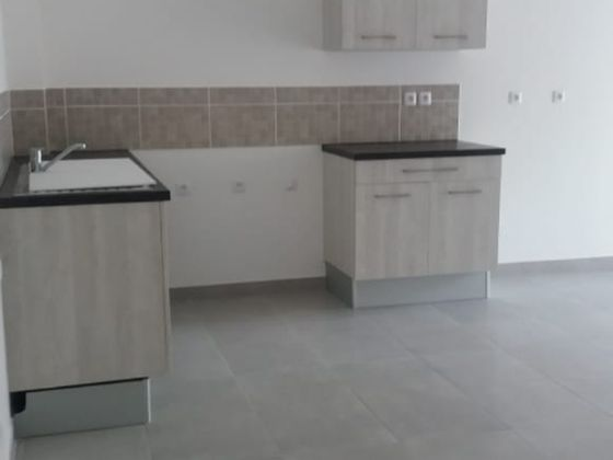 Location appartement 3 pièces 63,74 m2
