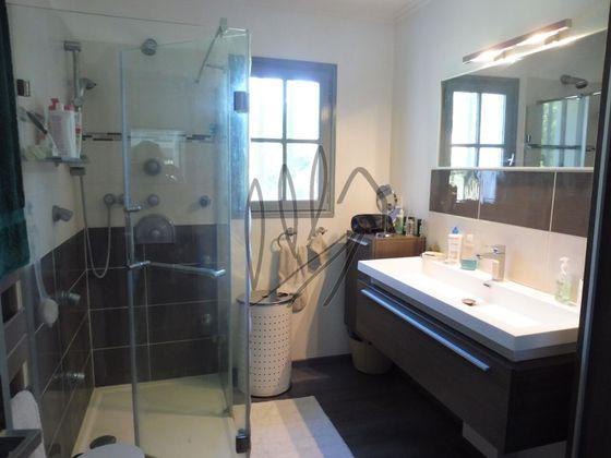 Vente villa 8 pièces 198 m2