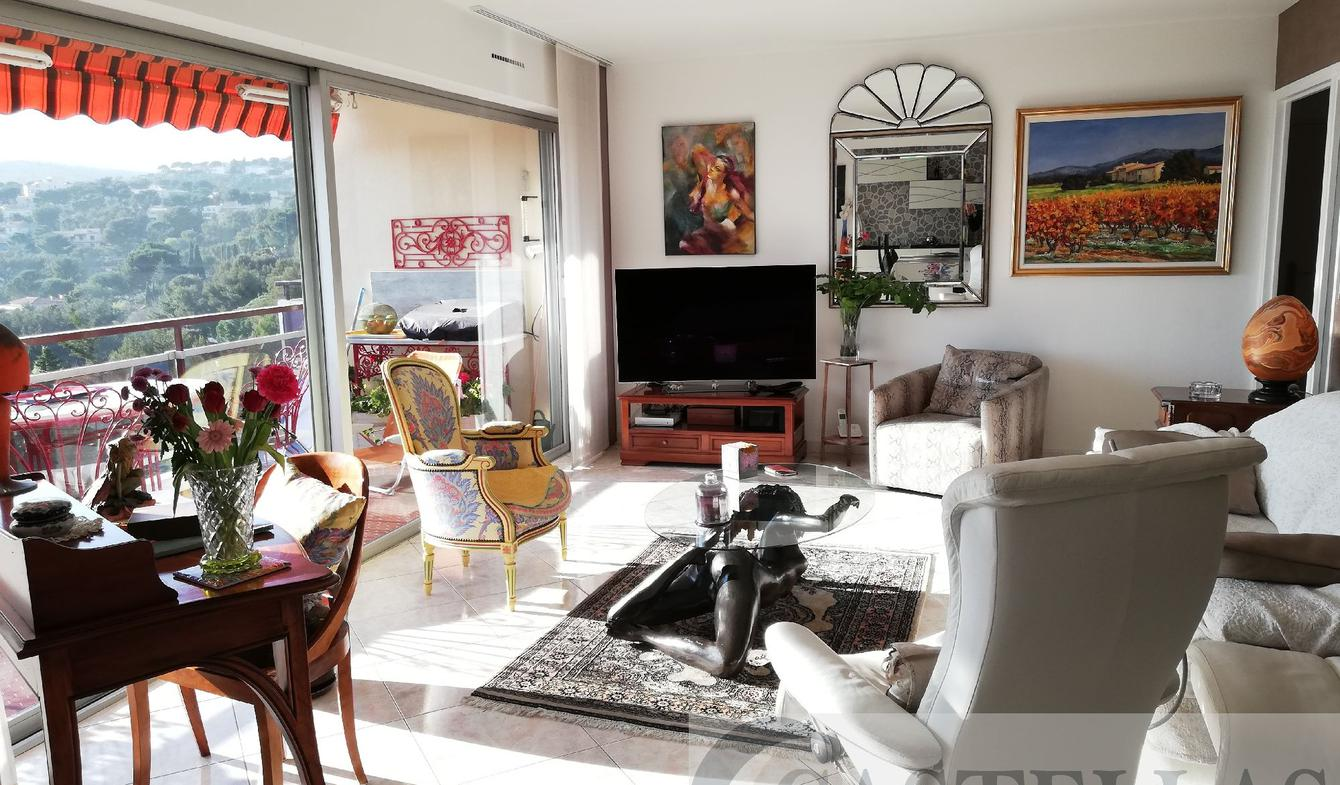 Apartment with terrace and pool Cassis
