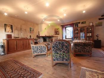 Maison 7 pièces 246 m2