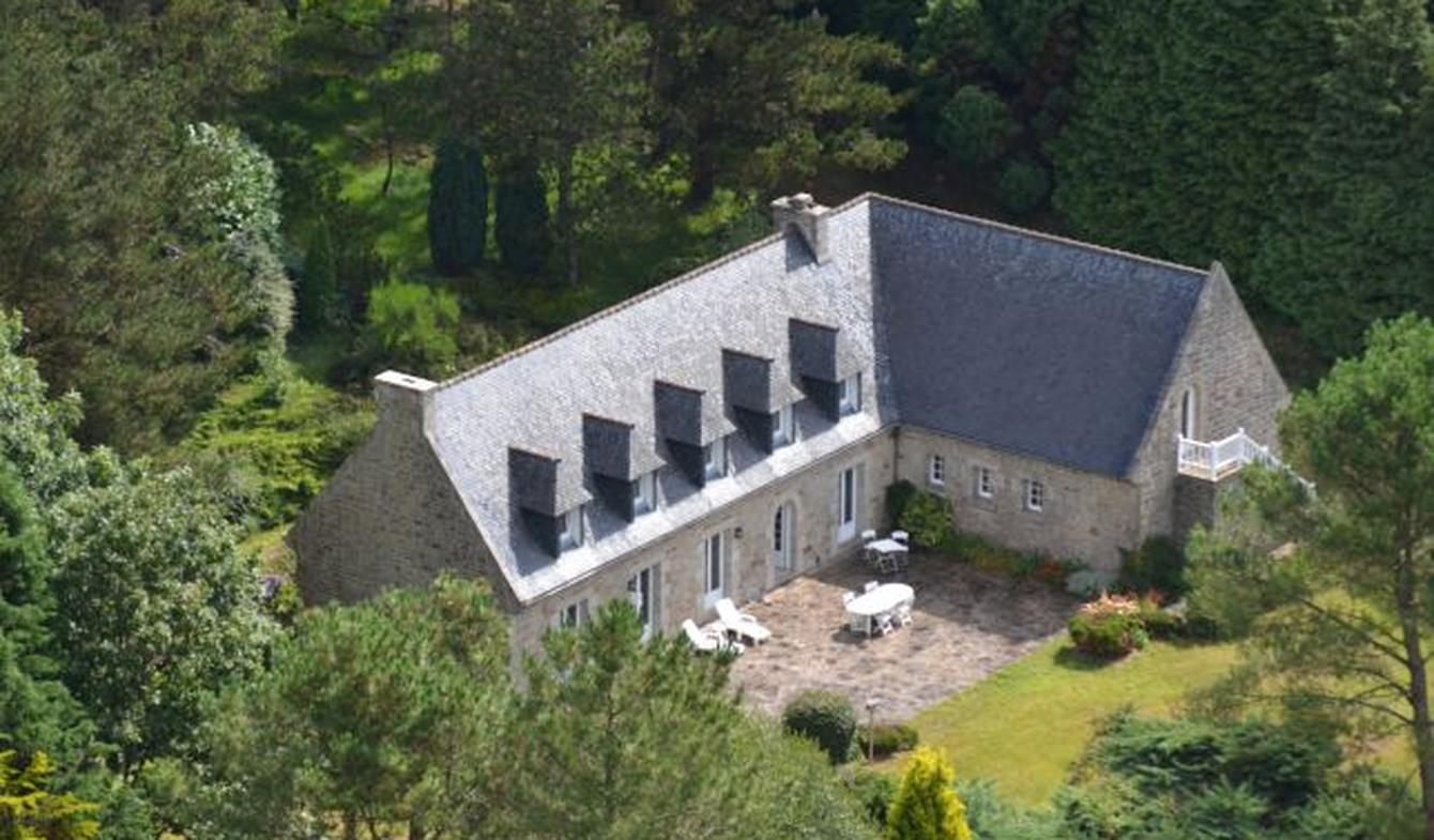 Maison avec terrasse Plomodiern