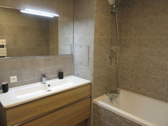 Location appartement meublé 3 pièces 64 m2