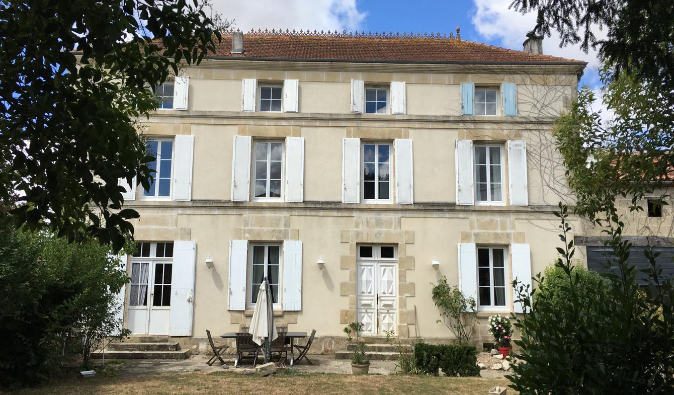 Maison avec piscine et terrasse Saint-Jean-d'Angély