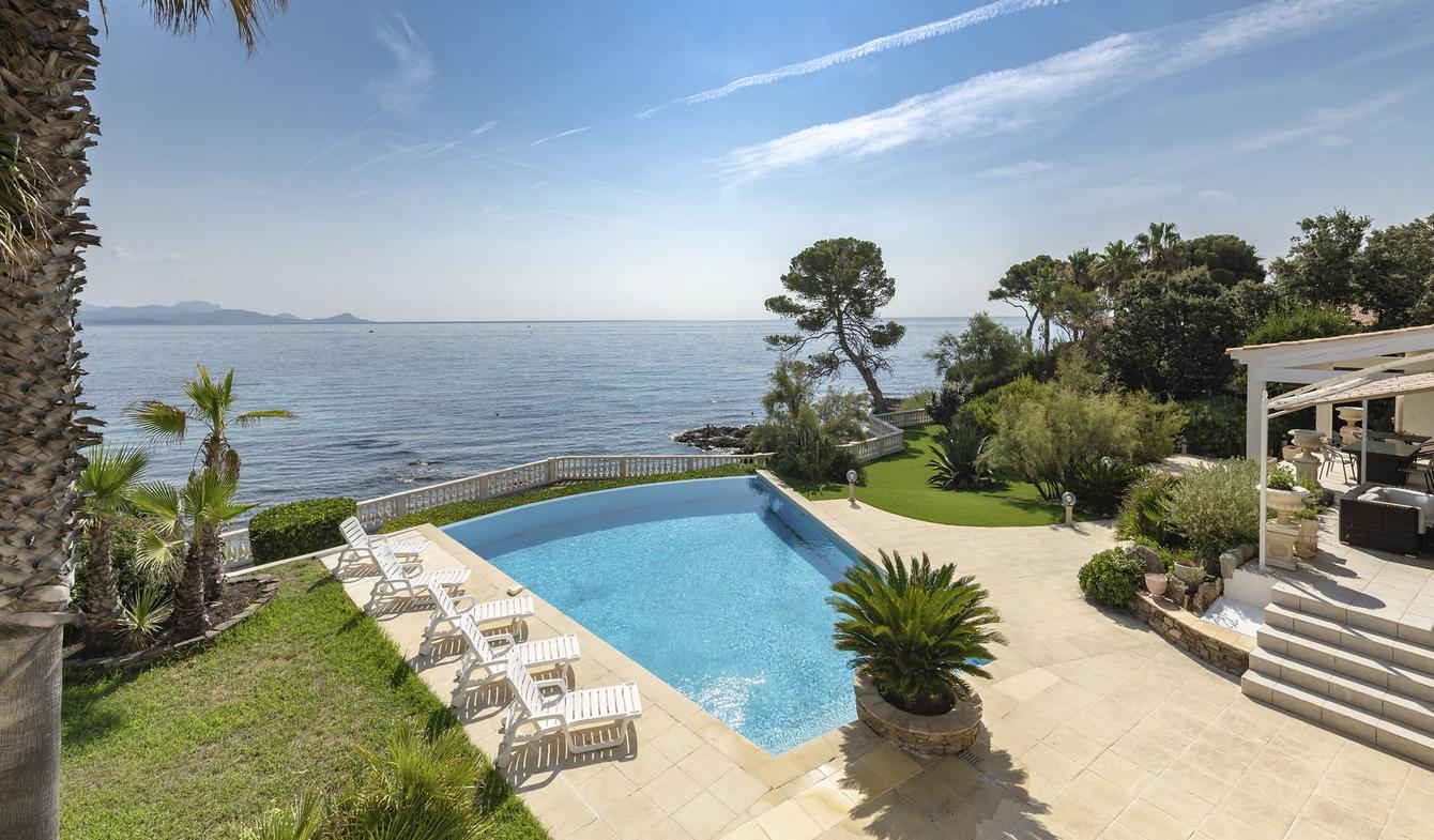 House with pool Saint aygulf