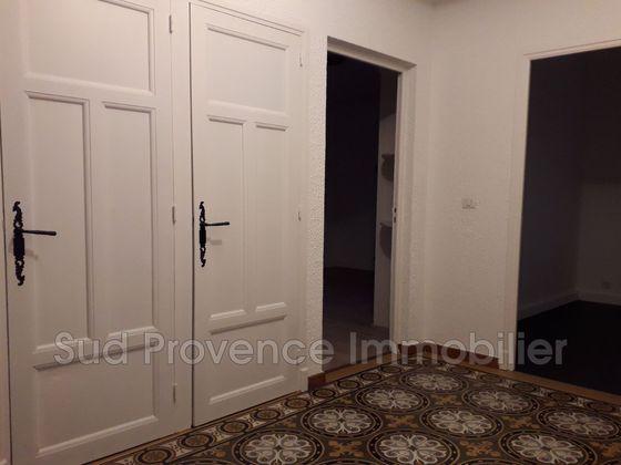 Location appartement 3 pièces 73 m2