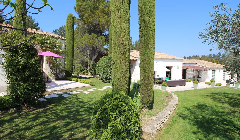 Maison contemporaine avec piscine et jardin Eygalières