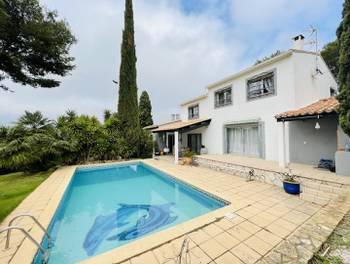 Villa 5 pièces 230 m2