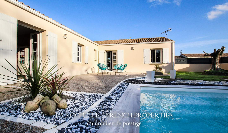 Maison avec piscine et terrasse Saint-laurent-de-la-pree