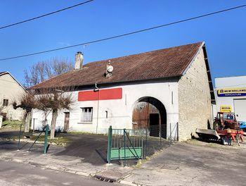 maison à Chassey-lès-Montbozon (70)