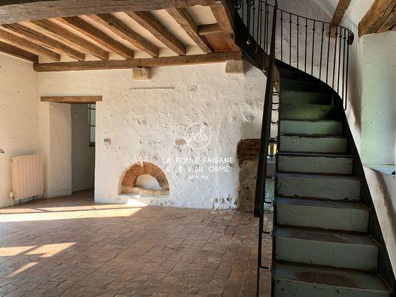 Location maison 8 pièces 240 m2