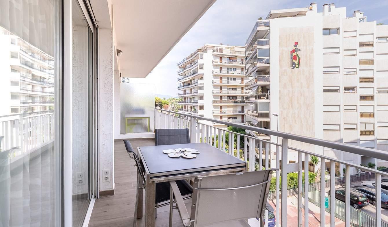 Appartement avec terrasse Cannes la bocca