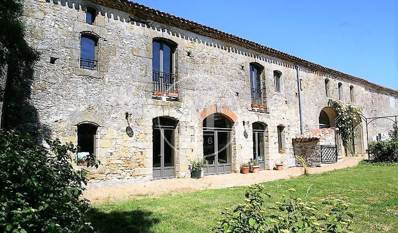 Maison avec piscine et terrasse Aguts