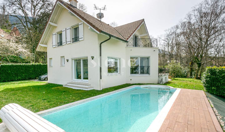 Maison avec piscine et terrasse Archamps
