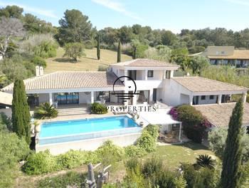 Villa 8 pièces 240 m2