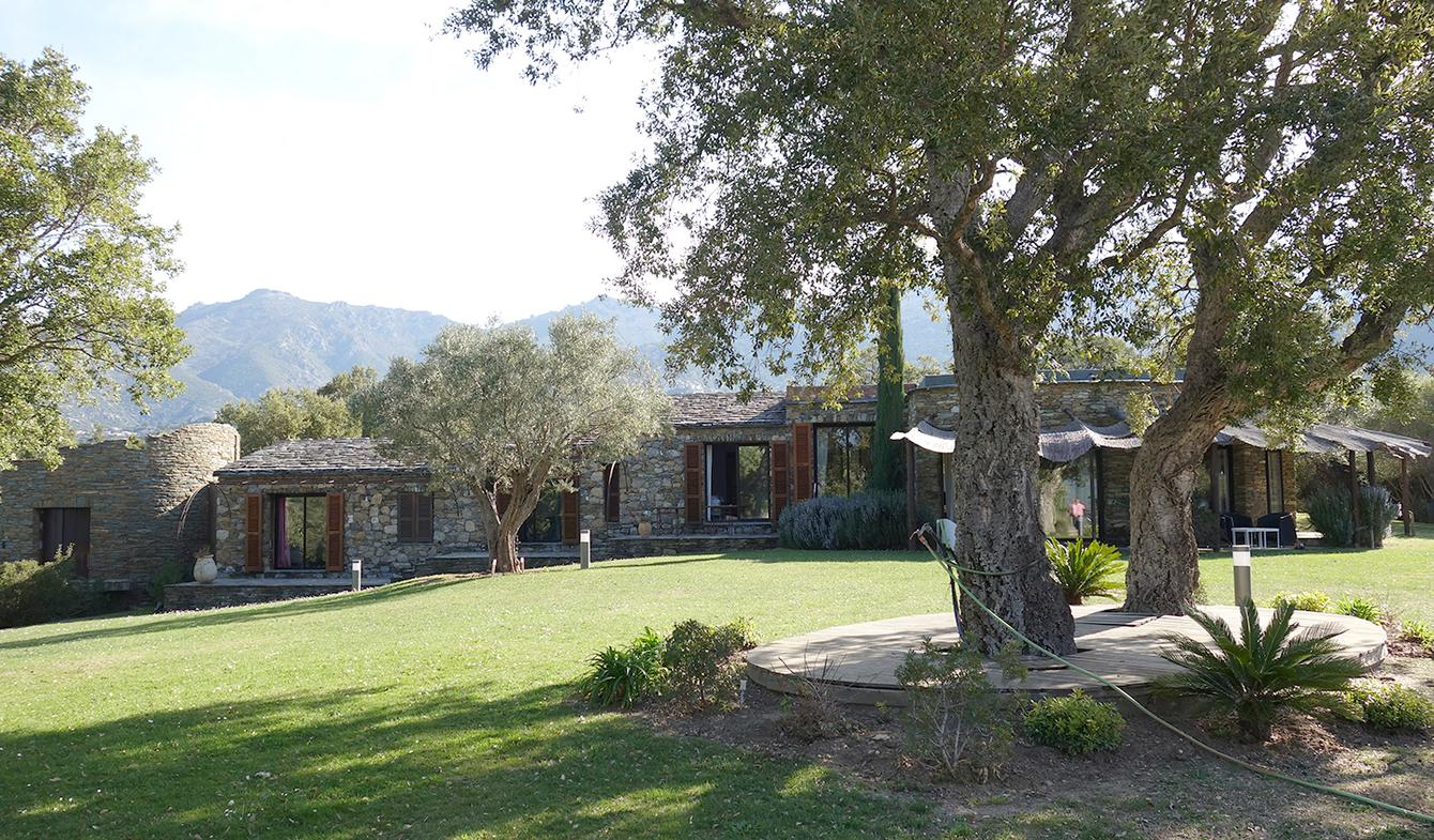 Property with pool and garden Saint-Florent